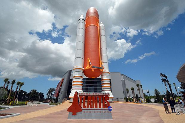 Shuttle Atlantis Shuttle Atlantis Display