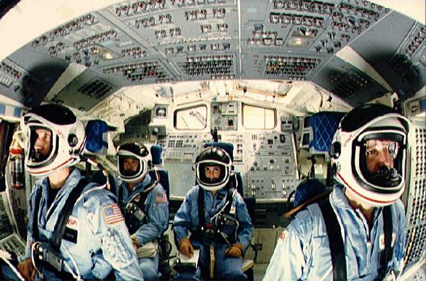 space shuttle cabin crew - photo #17