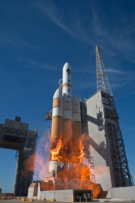 United Launch Alliance Delta 4 rocket boosts secret spy ...